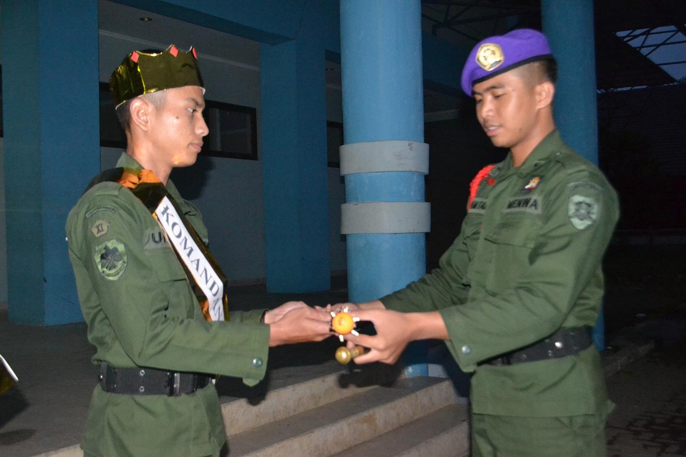 Foto Penyerahan Tongkat Komando