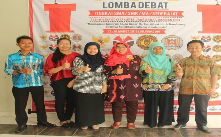 lomba debat 2