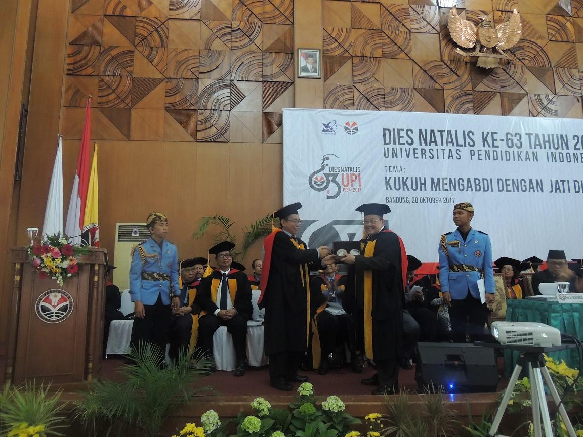 Probumsil Lancarkan Pengukuhan Profesor dan Dies Natalis UPI Ke-63