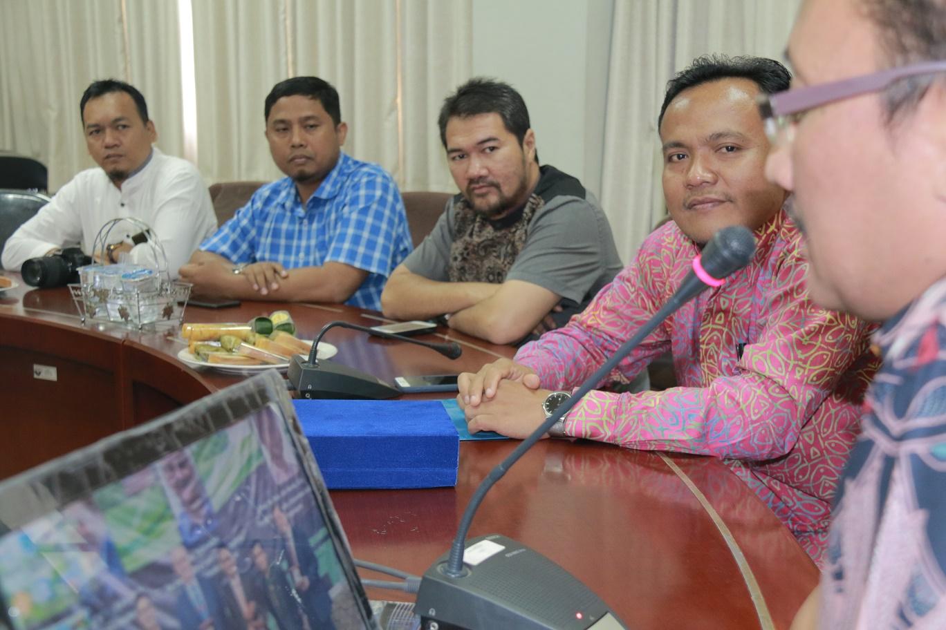 Pengelola Website dan Humas Unimed Kunjungi Kantor Humas UPI